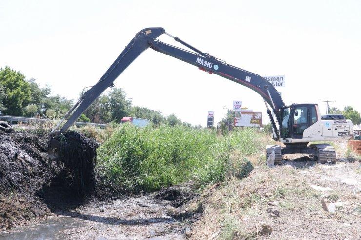 Manisa-Saruhanlı yolunda 30 kilometrelik dere temizliği başladı