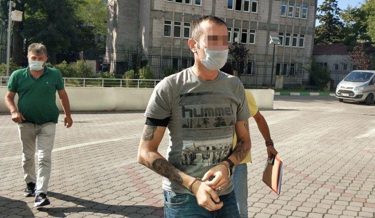 Satışa hazır uyuşturucu paketleriyle yakalandı