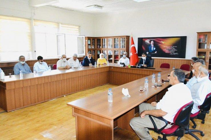 Muhtarlardan Milli Eğitim Müdürü Kanbay'a destek ziyareti