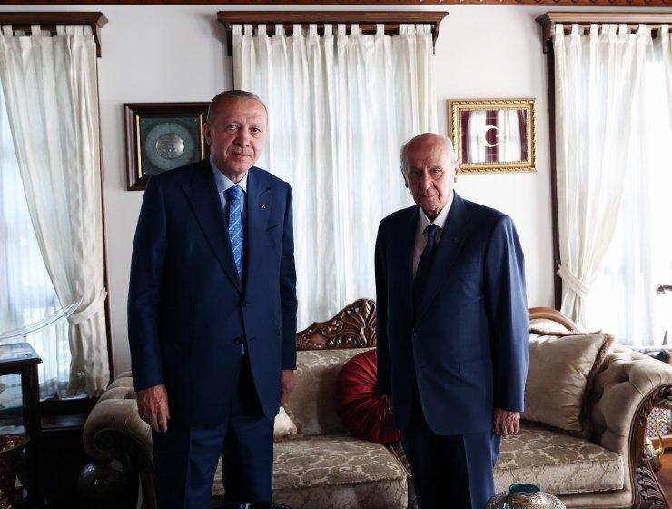 Cumhurbaşkanı Erdoğan, MHP Lideri Bahçeli'yi ziyaret etti