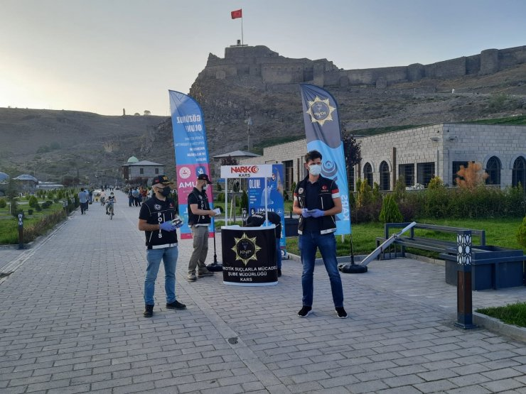 Kars'ta, uyuşturucuya karşı vatandaşlar bilgilendirildi
