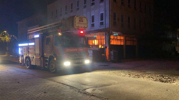 Polisler yangının büyümesini engelledi