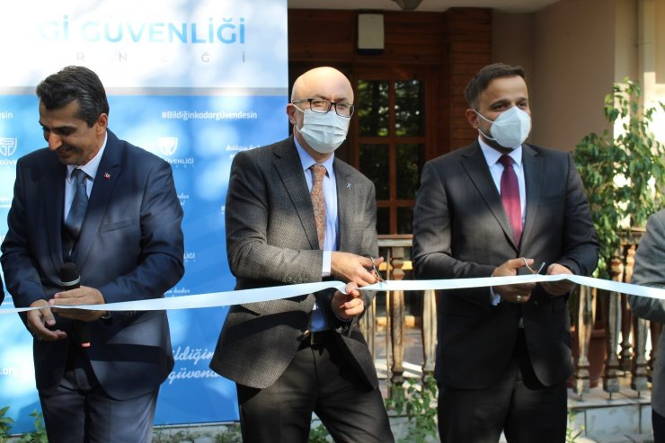 Bilgi Güvenliği Derneği'nin yeni binası açıldı