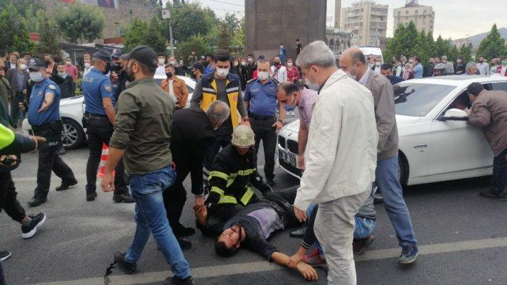 Kahraman polis memuru canını hiçe sayıp intihar girişimini önledi