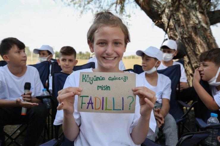 Çocuklar, hazırladıkları projeleri Başkan Erdem'e sundu