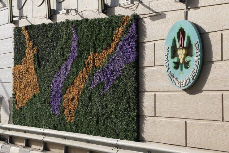 Devlet Bahçeli Kavşağı dikey bahçe ile yeşilleniyor