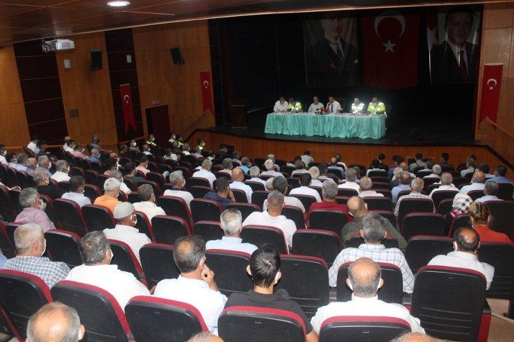 """Kahta'da """"Güvenli Okul ve Güvenli Servis Taşımacılığı"""" toplantısı"""