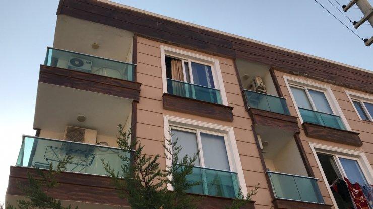 Çığlık atarak balkona çıkan kadın, ikinci kattan düşerek ağır yaralandı