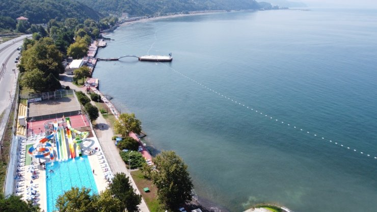 Batı Karadeniz'in en çok rağbet gören plajı oldu