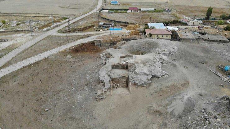 Erzurum'un tarihine ışık tutan 6 bin yıllık höyükte kalıntılara rastlandı