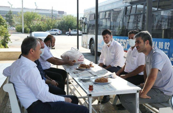 Başkan Kılınç, otobüs şoförleriyle bir araya geldi