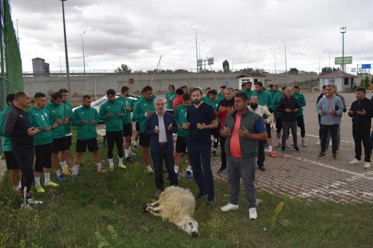 Sivas Belediyespor, Etimesgut maçı öncesi koyun kesti