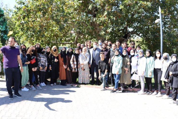 AK Partili Tüfenkci, öğrencilerle buluştu