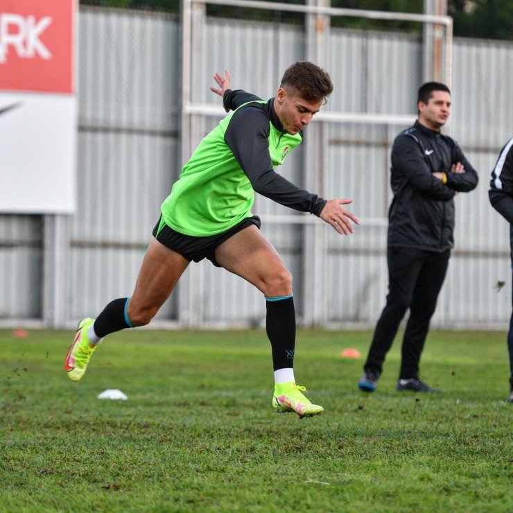 Ankaragücü maçı hazırlıklarını tamamlayan Bursaspor kampa girdi