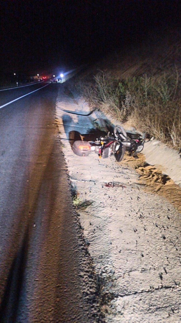 Yoldan çıkıp takla atan motosiklet sürücüsü yaralandı