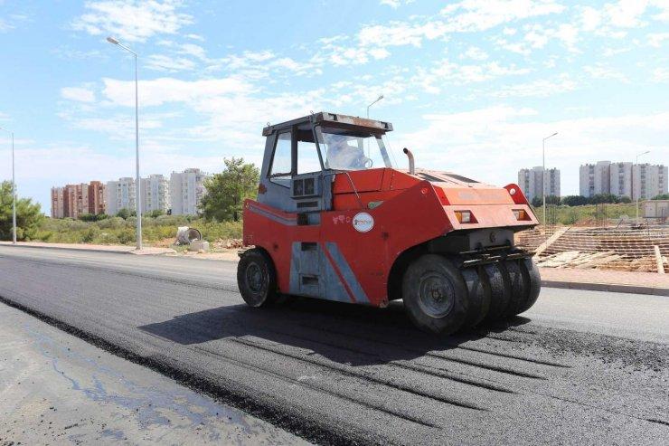 Kepez'de 13 bin 300 metrekare alanda asfalt çalışması