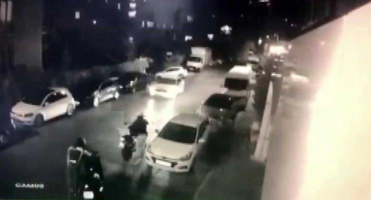 Üsküdar'da 1 buçuk dakikada motosiklet hırsızlığı kamerada
