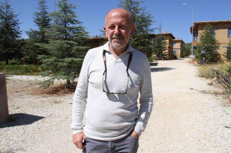 Sonsuz Şükran Köyü'ne ev yaptıran yönetmen Taşdiken, yılın yarısını köyünde geçirecek