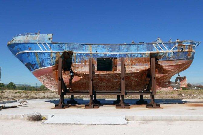 barca-nostra.jpg