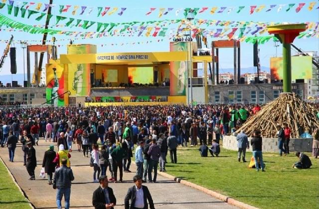 diyarbakir-da-nevruz-kutlamalari-basladi-3-8280817_5861_m.jpg