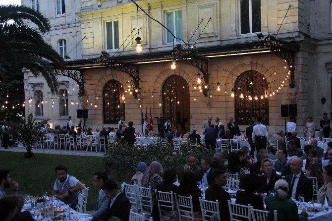 Fransız Sarayı Kapılarını İftar Yemeği İçin Açtı
