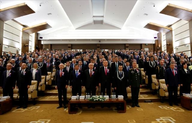 kilicdaroglu-ndan-elini-sikmayan-erdogan-la-8384866_2119_m.jpg