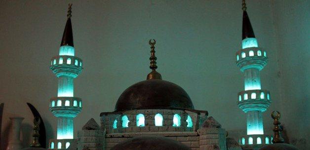 mermerden_sultan_ahmet_camisi_yapti_1401716100_4725.jpg