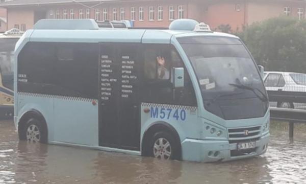 minibus-002.jpg