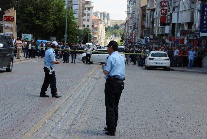 Bomba Süsü Verdiği Çanta İle Bankayı Soymaya Kalkıştı