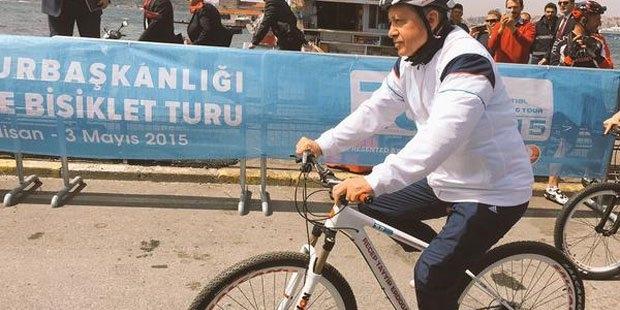 page_cumhurbaskanligi-bisiklet-turunda-erdogan-da-pedal-cevirdi_791738716.jpg