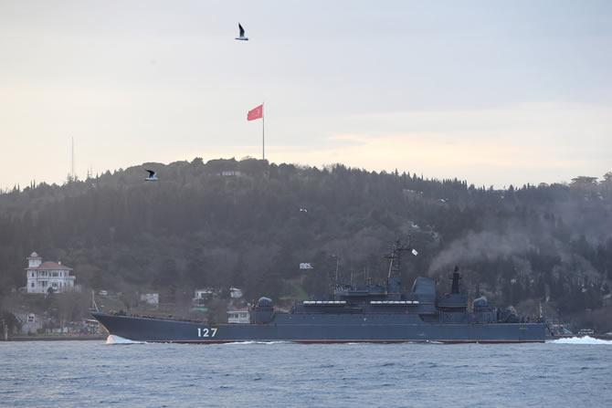 rus-savas-gemisi-manset-denizhaberajansi-4.jpg