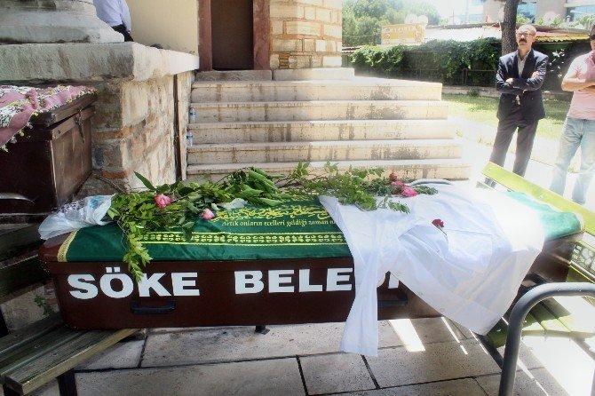 Isparta'da Evinde Ölü Bulunan Sökeli Tıp Öğrencisi Toprağa Verildi
