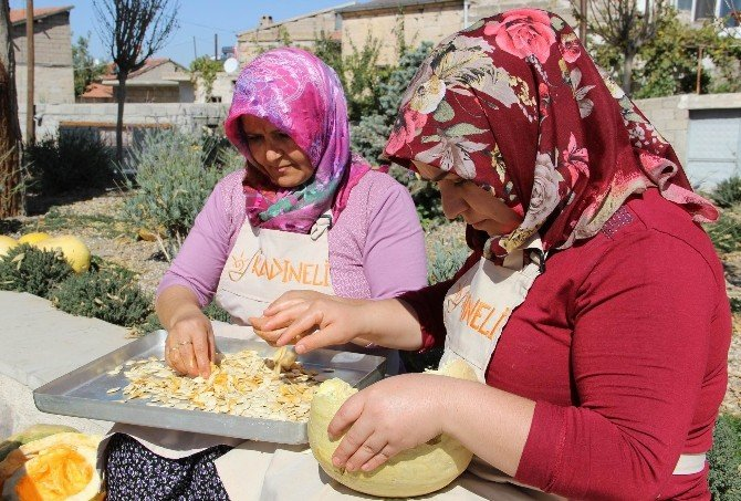 Uçhisarlı kadınlar ev üretimleri ile ekonomik özgürlüklerine kavuştu