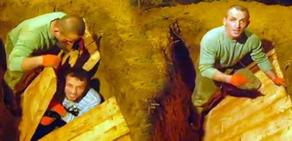 Kardeşini canlı canlı mezara gömdü..!