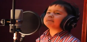 4 Yaşındaki Afgan Çocuğun Büyüleyen Sesi