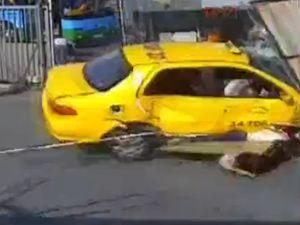 Kabataş'taki otobüs kazası güvenlik kamerasında
